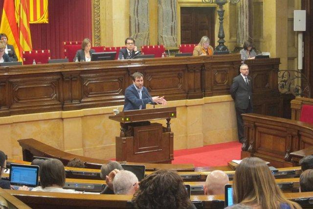 El conseller de Salud, Toni Comín, en el Parlament