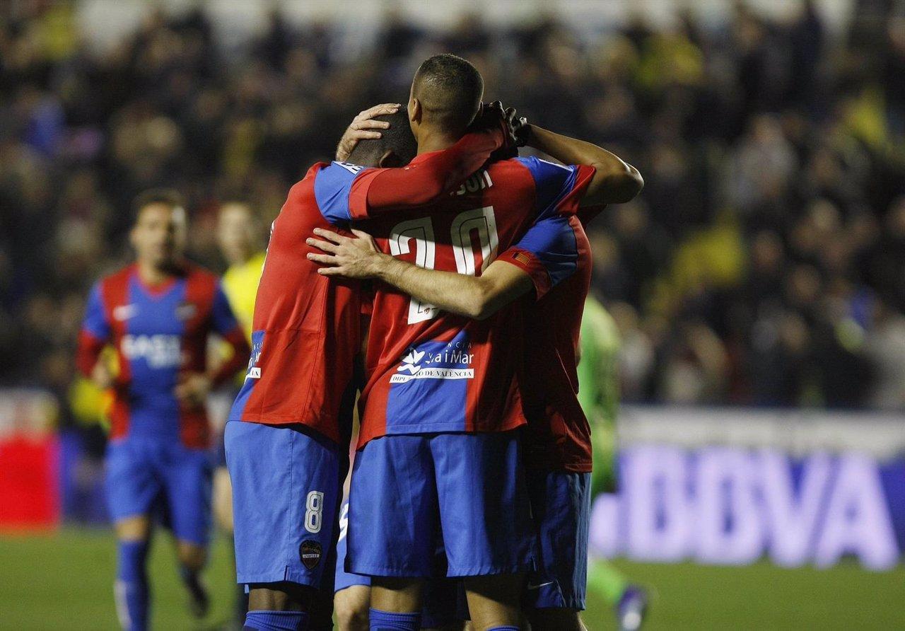 El Levante celebra el triunfo ante el Getafe en Liga BBVA