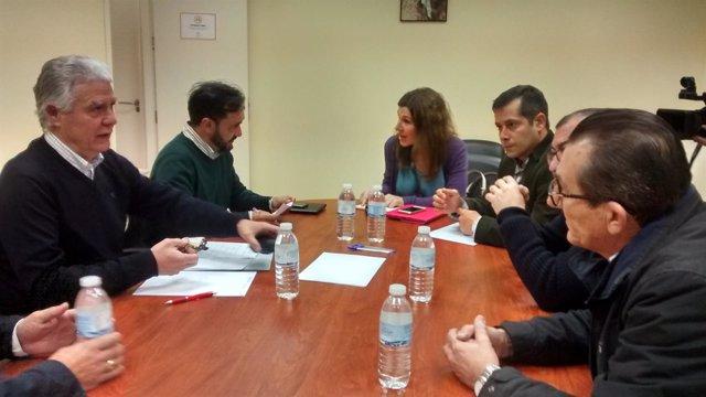 El portavoz adjunto del PSOE en el Senado, Francisco Menacho, en una reunión
