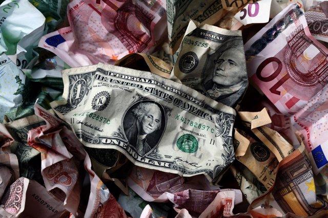 Billetes, dólar, euros
