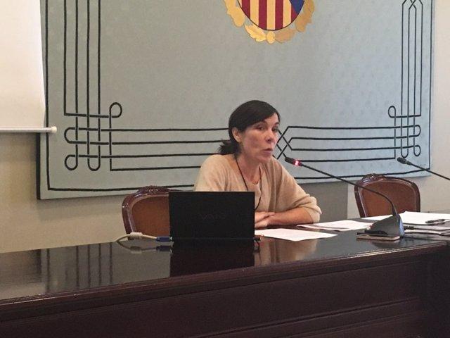 Pilar Carbonell en el Parlament