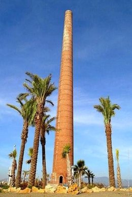 Chimenea Los Guindos torre Mónica Málaga