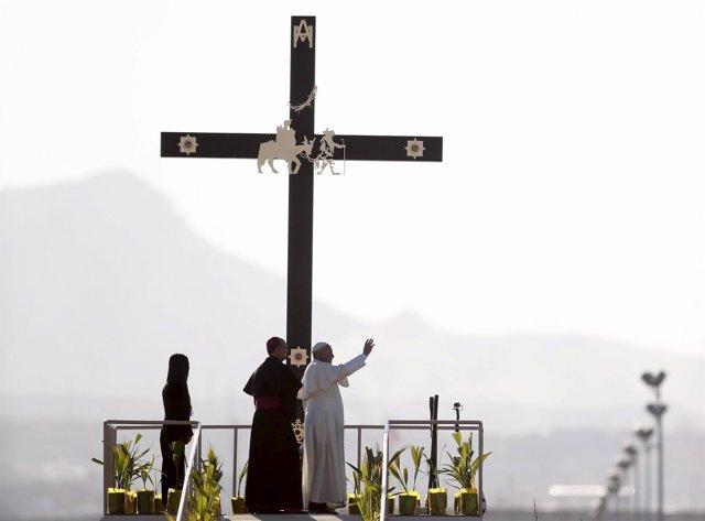 El Papa Francisco en la frontera entre México y EEUU