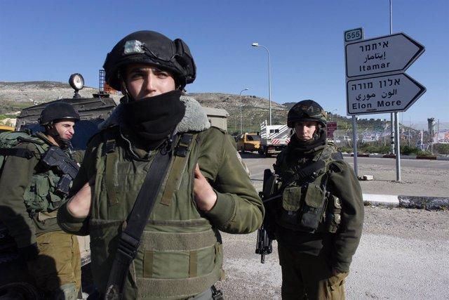 Asesinados por un palestino cinco colonos israelíes en Cisjordania
