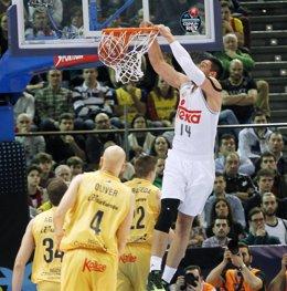 Gustavo Ayón, MVP de la final de la Copa de A Coruña