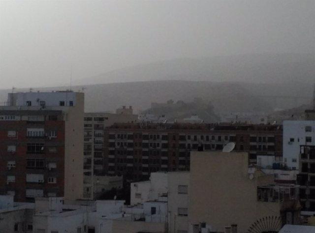 Calima sobre Almería