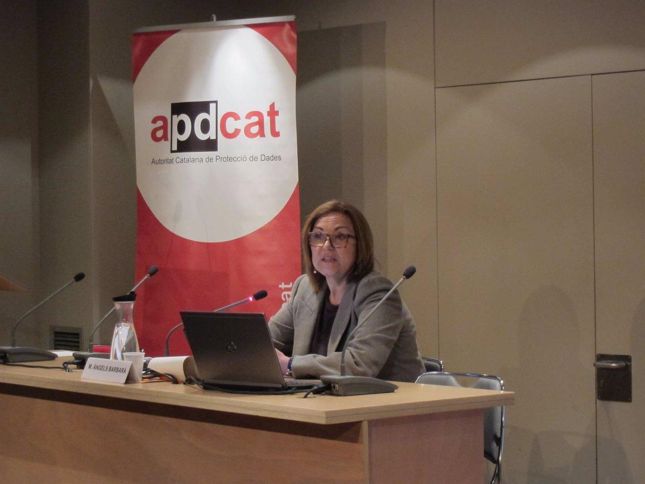 La directora de la Apdcat, Àngels Barbarà
