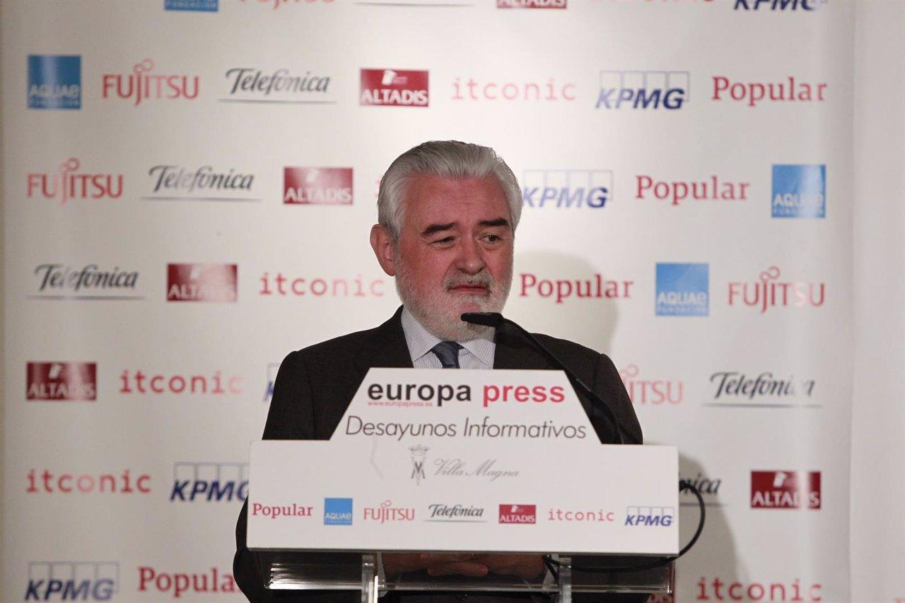 Darío Villanueva en los Desayunos de Europa Press