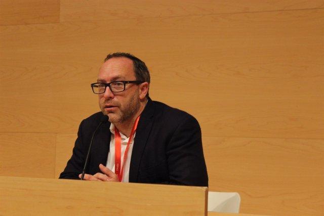 El creador de Wikipedia, Jimmy Wales
