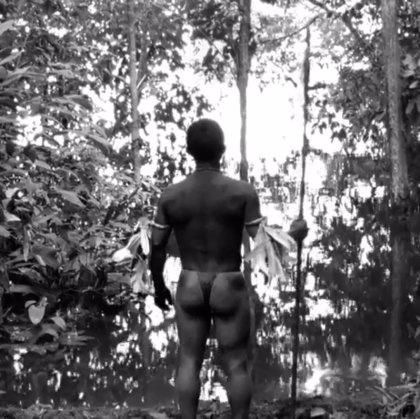 Facebook censura una imagen de la película colombiana 'El abrazo de la serpiente'