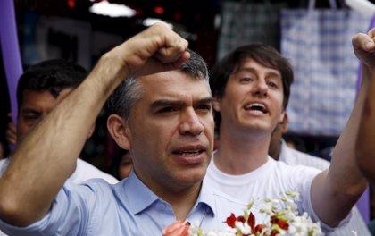 Julio Guzmán podrá seguir en la carrera por la Presidencia de Perú