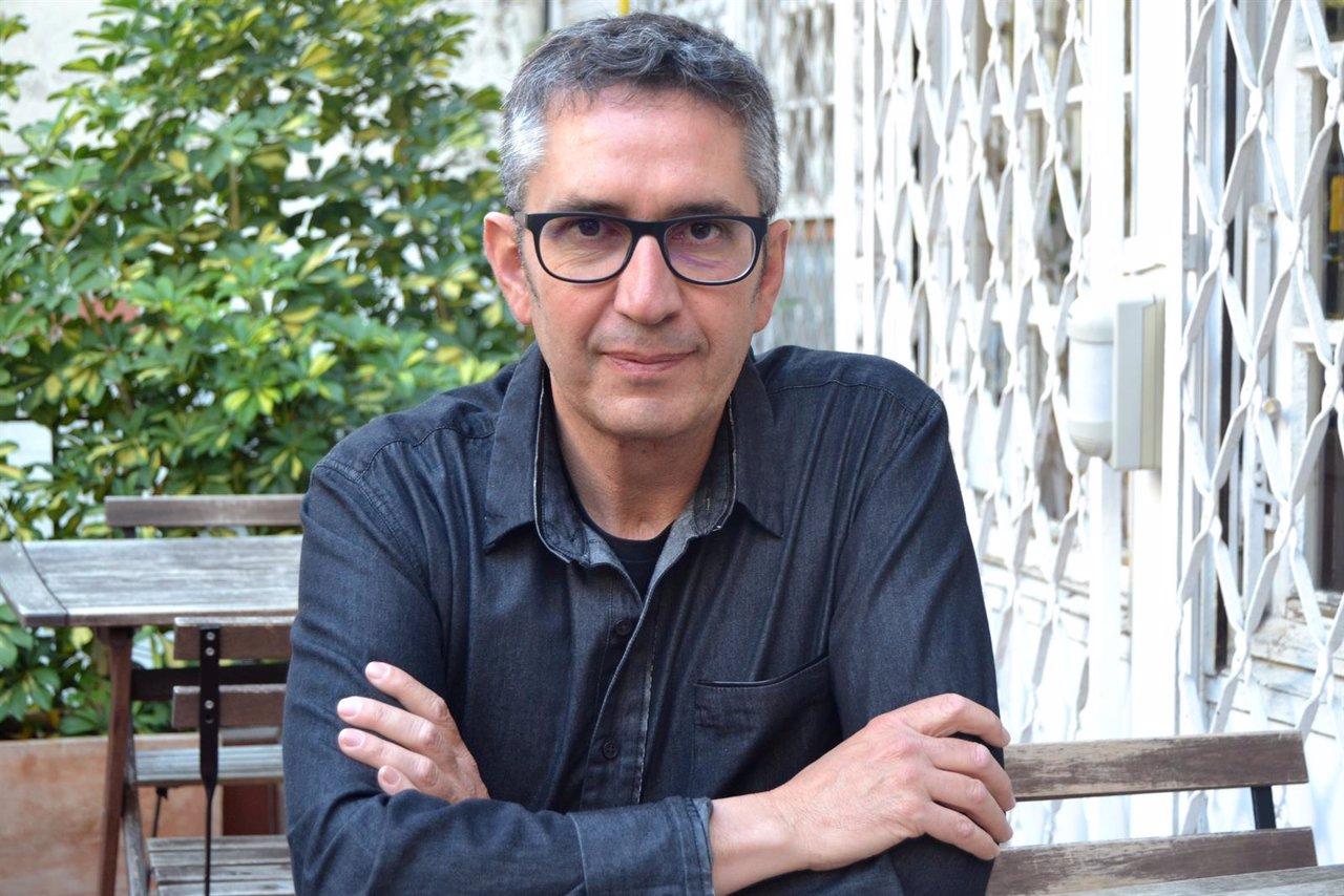 El escritor y pintor Manuel Baixauli