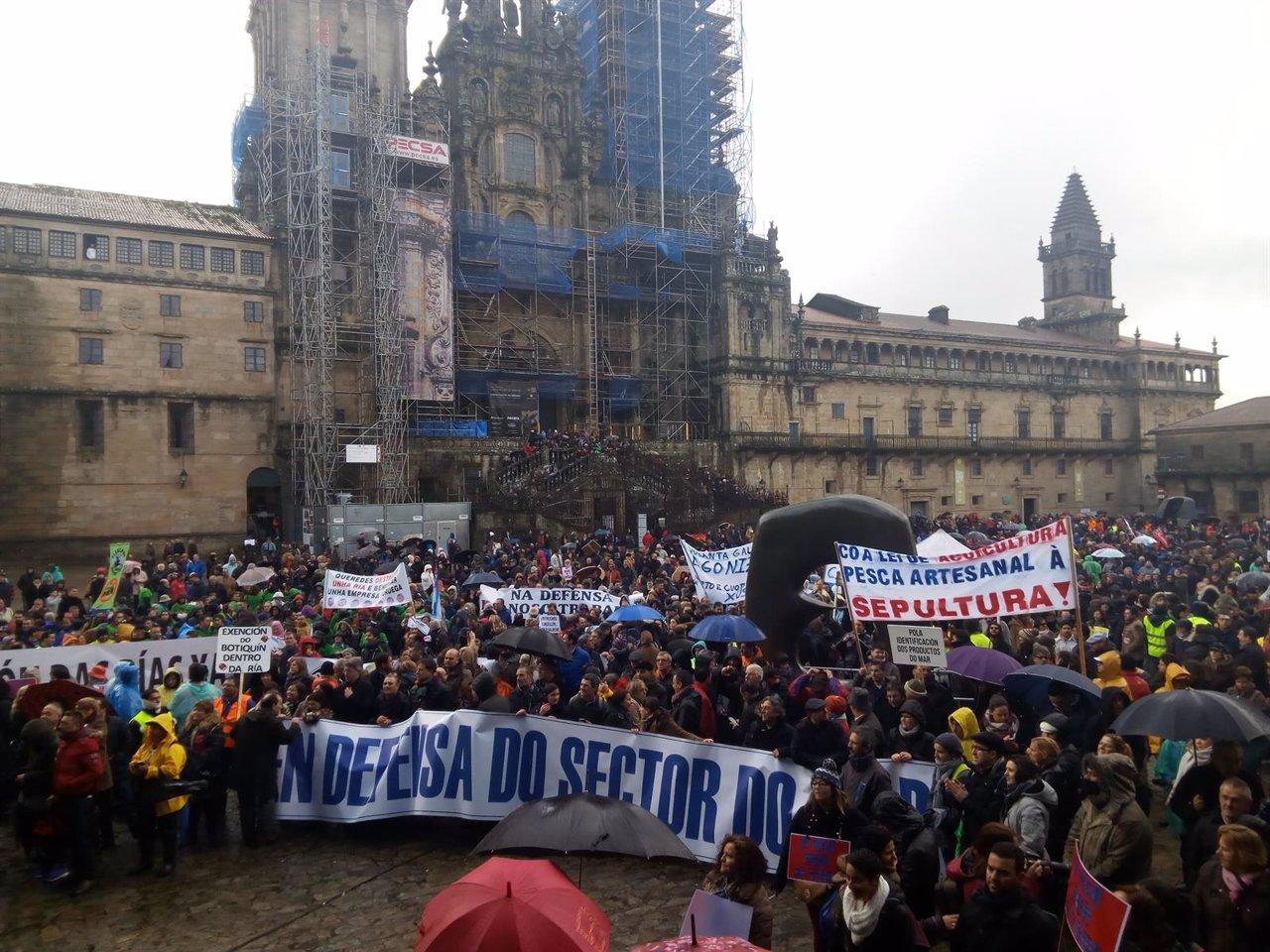 Manifestación del sector del mar en la Praza do Obradoiro