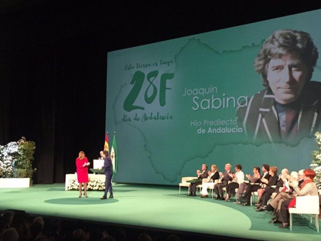 Joaquín Sabina recibe de Susana Díaz el Título de Hijo Predilecto de Andalucía