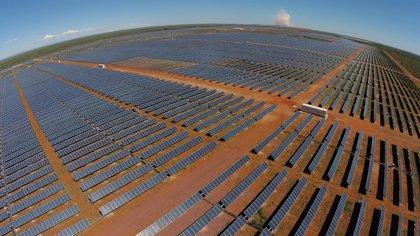 Una filial de Toyota también denuncia a España por los recortes a las renovables
