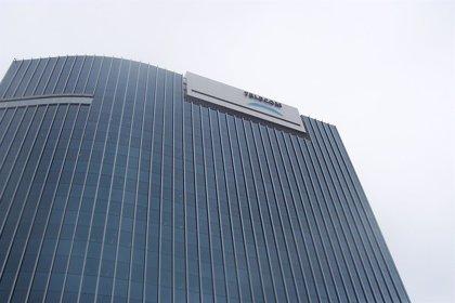Argentina aprueba ventas de firmas de telecomunicaciones Telecom y Nextel