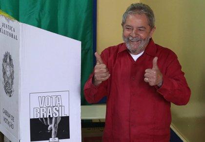 La Policía federal se lleva a Lula a declarar por su implicación en 'Lava Jato'