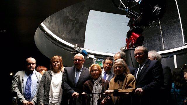 El conseller de empresa y Conocimiento, J.Baiget, en el bautizo del telescopio