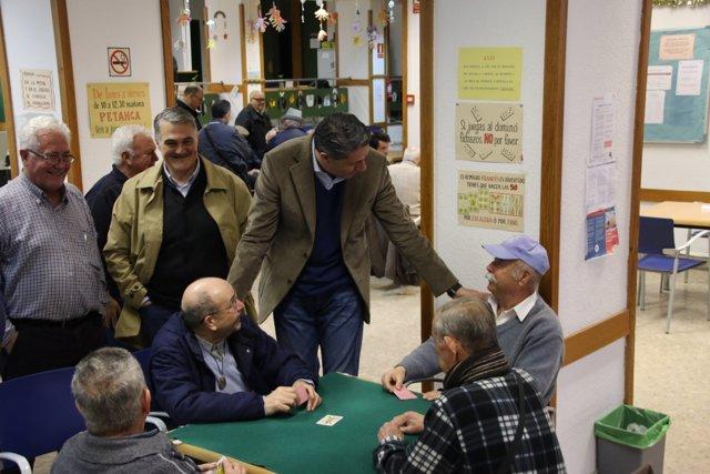 X.G.Albiol visita una residencia de ancianos