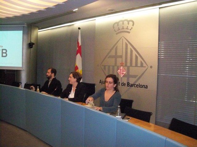 Ada Colau, Gemma Taraf, y Davide Malmusi