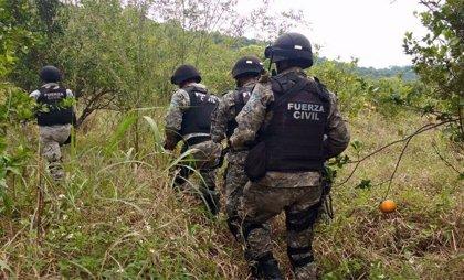 Hallan bidones con restos humanos en una zona rural del centro de México