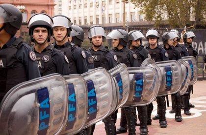 Criminales se hacen con el control de un pequeño pueblo de Argentina y roban $16.000