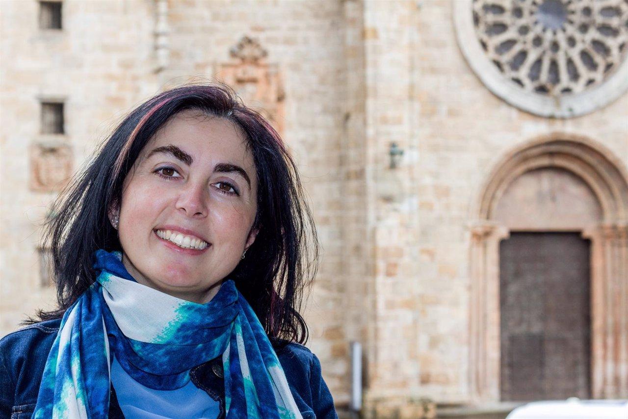 Elena Candia, candidata a presidir el PP de Lugo