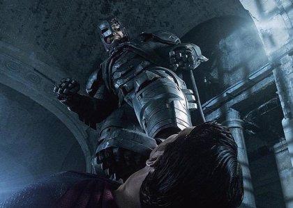 Así atacará Batman a Superman en El amanecer de la Justicia