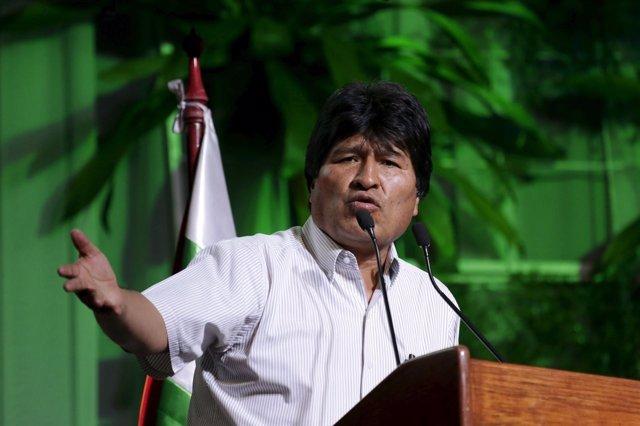 Morales se solidariza con los familiares de los fallecidos en El Alto