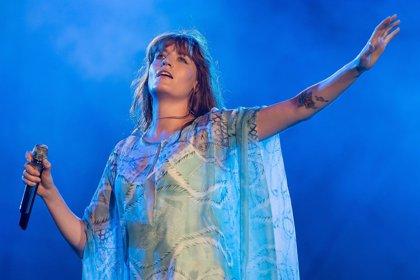 Florence and the Machine versionan Silver Springs de Fleetwood Mac en una iglesia