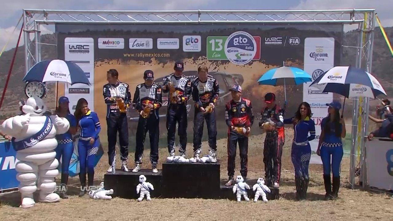 Dani Sordo en el podio de México