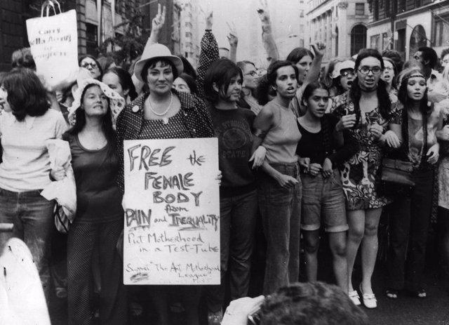 Feministas manifestándose en 1970 en Nueva York