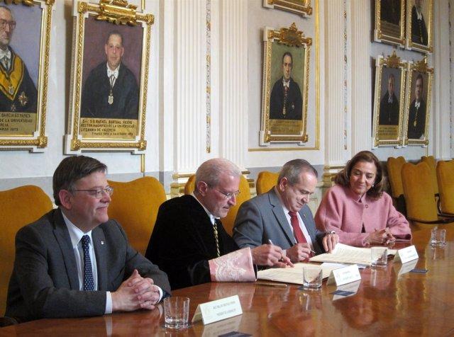 Firma del nuevo centro mixto del CSIC y la UV