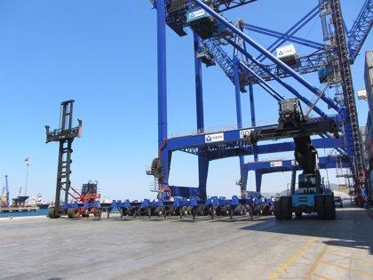 La holandesa APM compra la firma española de terminales portuarias TCB por 911 millones