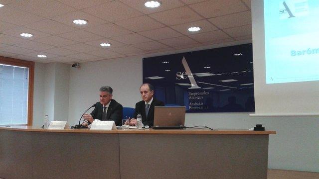 El secretario general del SEA, Juan Ugarte y adjunto aitor otalola