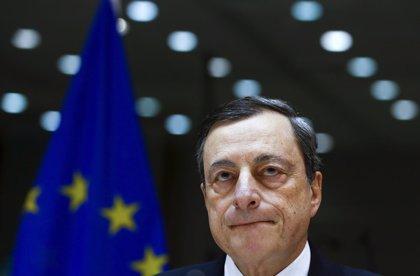 El BCE baja tipos, amplía el volumen de sus compras e incluirá deuda corporativa