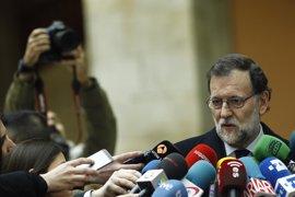 """Rajoy destaca lo """"reconfortante"""" que es la unidad en el 11M y el papel de los militares"""