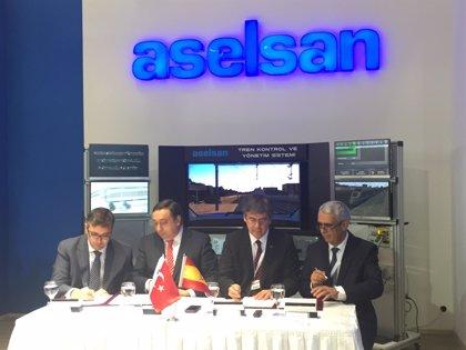 Indra y la empresa turca Aselsan firman un acuerdo para colaborar en transporte ferrovario