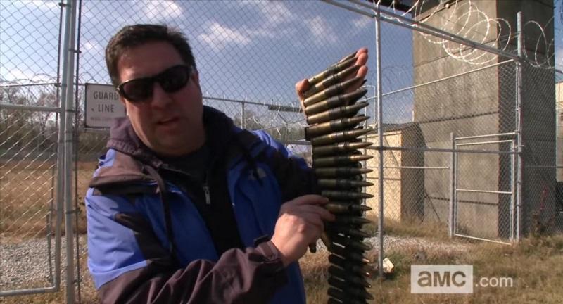 Los protagonistas de The Walking Dead entrenan con armas reales