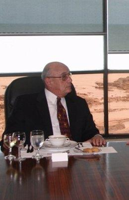 El excanciller Carlos Ozores Typaldos en una reunión de excancilleres