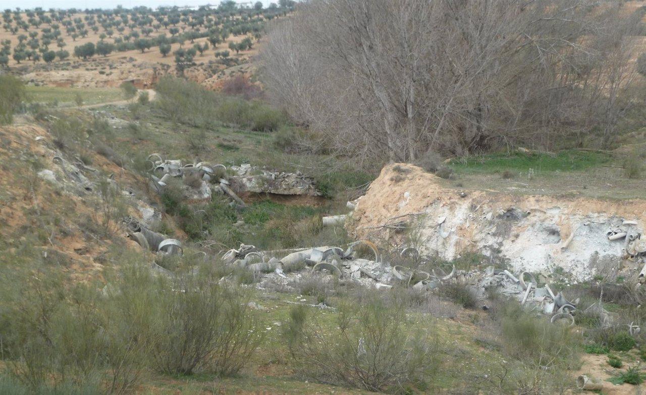 Vertido de amianto en el Polígono de Toledo