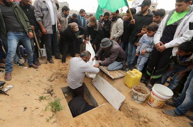 Entierro de un niño palestino en Gaza