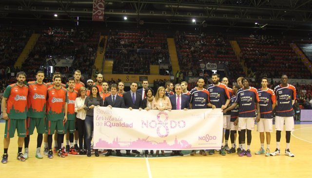 Partido de baloncesto en Sevilla dedicado a las mujeres
