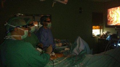 El Complejo Hospitalario de Jaén comienza a operar cáncer de próstata por laparoscopia