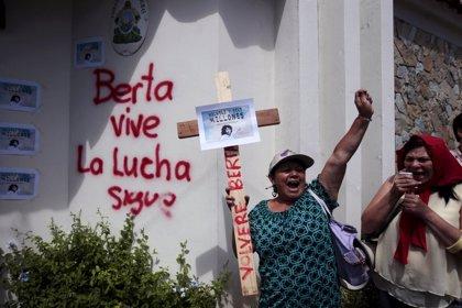 Miles de indígenas marchan en Honduras para pedir que se aclare la muerte de Berta Cáceres