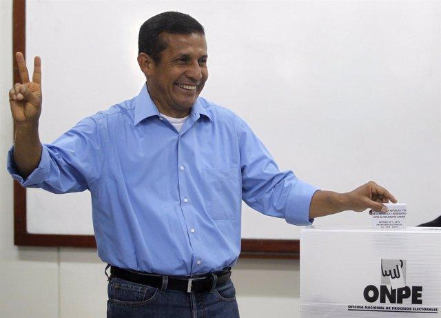 Ollanta Humala, tras votar en las elecciones presidenciales de Perú