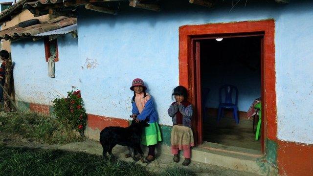 Indicadores socioemocionales para medir la pobreza en América Latina