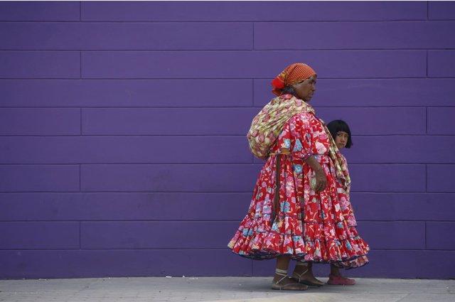 Mujer indígena en Ciudad Juárez, México