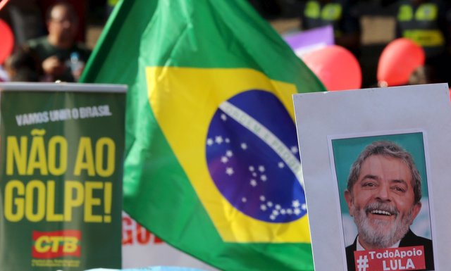 Demonstrators take part in a protest in support of Brazilian President Dilma Rou