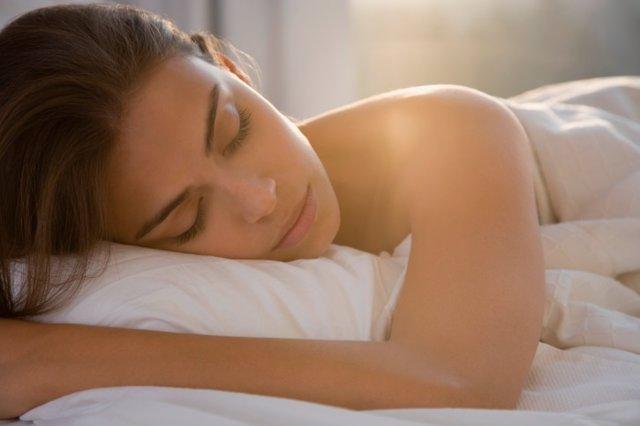 Diez consejos para dormir mejor, durmiendo, dormida